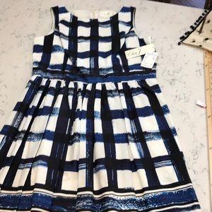 Eliza J NWT Sleevelss Dress  Blue, black & white
